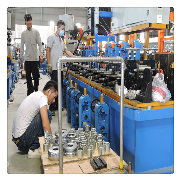 <b>升威不锈钢制管机使用</b>